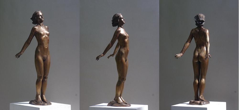 Figur aus Bronze, weiblicher Akt Im Wind, Bildhauer Reinhold Bauer